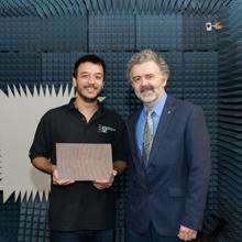 Un étudiant en génie électrique de Polytechnique Montréal remporte une compétition étudiante internationale de design en électromagnétisme