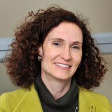 Catherine Beaudry, professeure titulaire au Département de mathématiques et de génie industriel de Polytechnique Montréal et titulaire de la Chaire de recherche du Canada en création, développement et commercialisation de l'innovation.