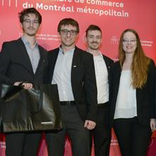 Les membres de l'équipe du projet « Le Mirador » ont reçu le premier du concours d'étude de cas d'Aéro Montréal à l'occasion de la Semaine internationale de l'aérospatiale – Montréal 2018.