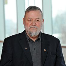 Michel Perrier, professeur émérite au Département de génie chimique. (Photo: Denis Bernier photographe).
