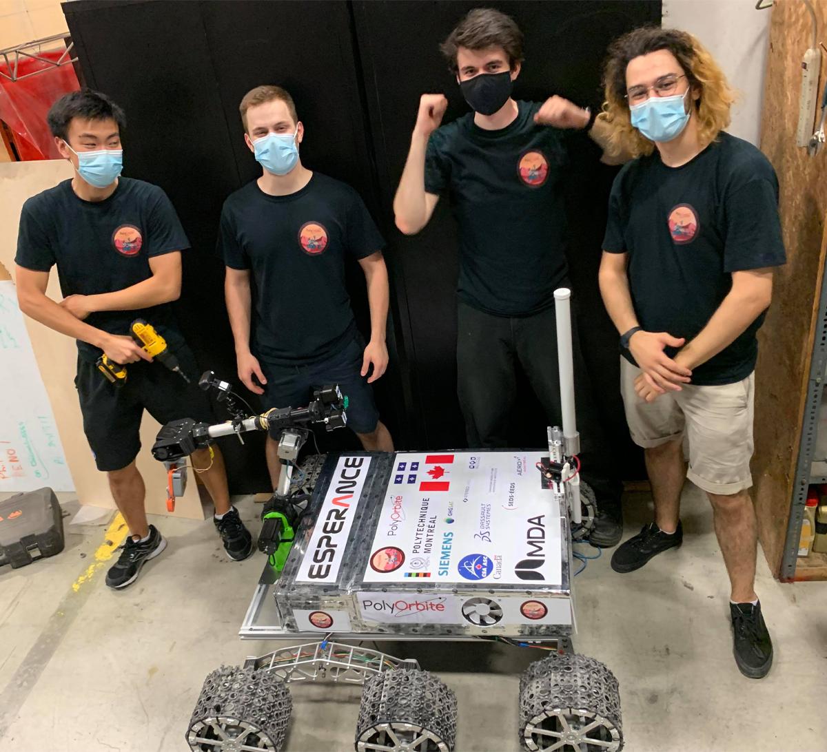 Des membres de PolyOrbite ont complété l'assemblage de l'astromobile «Espérance» et réalisé les tests finaux ce mercredi, tard en soirée.