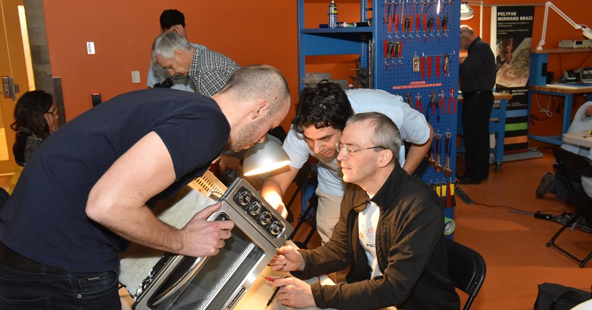 L'un des réparateurs bénévoles, Michel Dagenais, est professeur titulaire au Département de génie informatique et génie logiciel de Polytechnique Montréal.