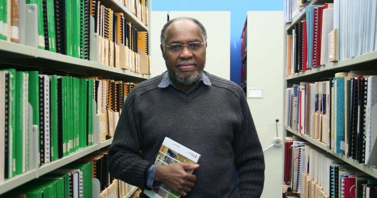 Samuel Pierre, professeur titulaire au Département de génie informatique et génie logiciel.