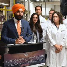 The Honourable Navdeep Bains, Minister of Innovation, Science and Economic Development, at the Laboratory for Multiscale Mechanics (LM2) at Polytechnique Montréal