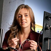 Caroline Boudoux, professeure agrégée au Département de génie physique de Polytechnique Montréal