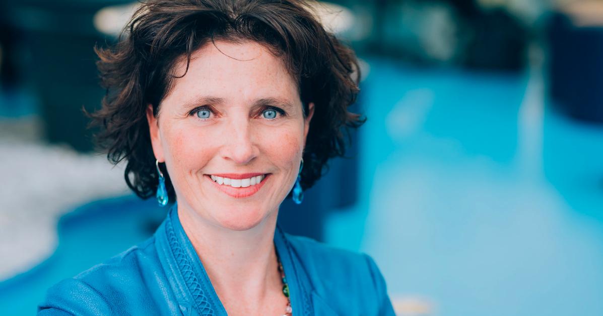 Catherine Morency, professeure titulaire et titulaire de la Chaire Mobilité au Département des génies civil, géologique et des mines. (Photo : Caroline Perron photographies)