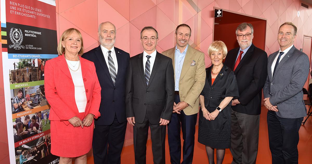 Les dignitaires présents à l'inauguration de la Chaire de recherche industrielle Pomerleau sur l'innovation et la gouvernance des projets de construction de Polytechnique Montréal.