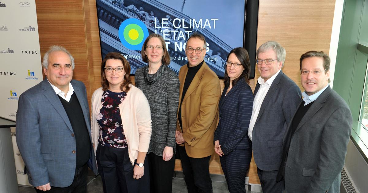 Le comité de pilotage du projet Le climat, L'État et nous, accompagné du scientifique en chef du Québec.