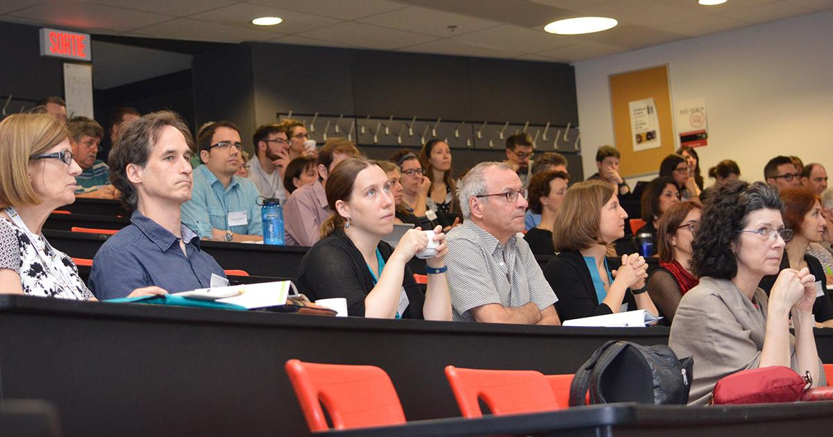 Des participants à la 12e Journée de l'enseignement et de l'apprentissage à Polytechnique Montréal.