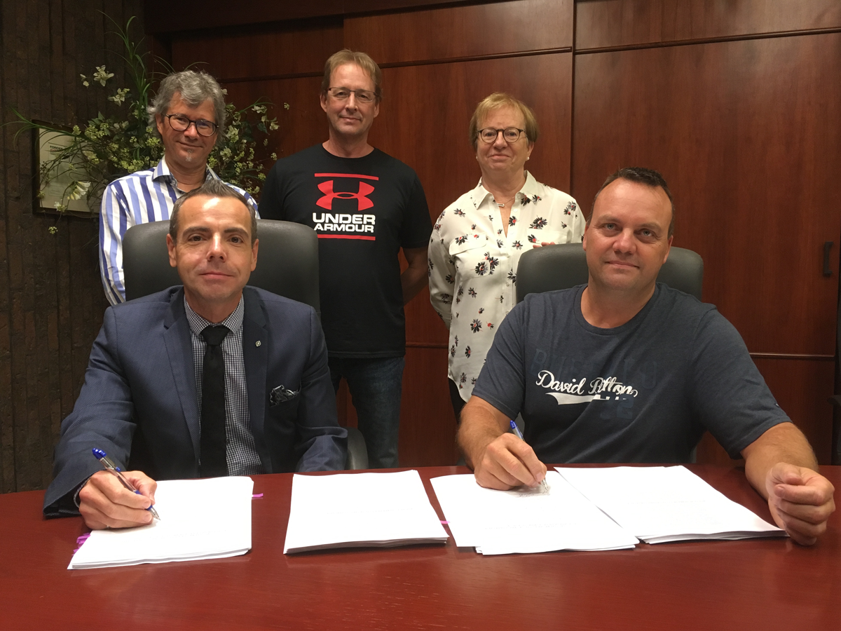 Signature de la nouvelle convention collective entre Polytechnique Montréal et le SPEMEP, le 31 août 2018.
