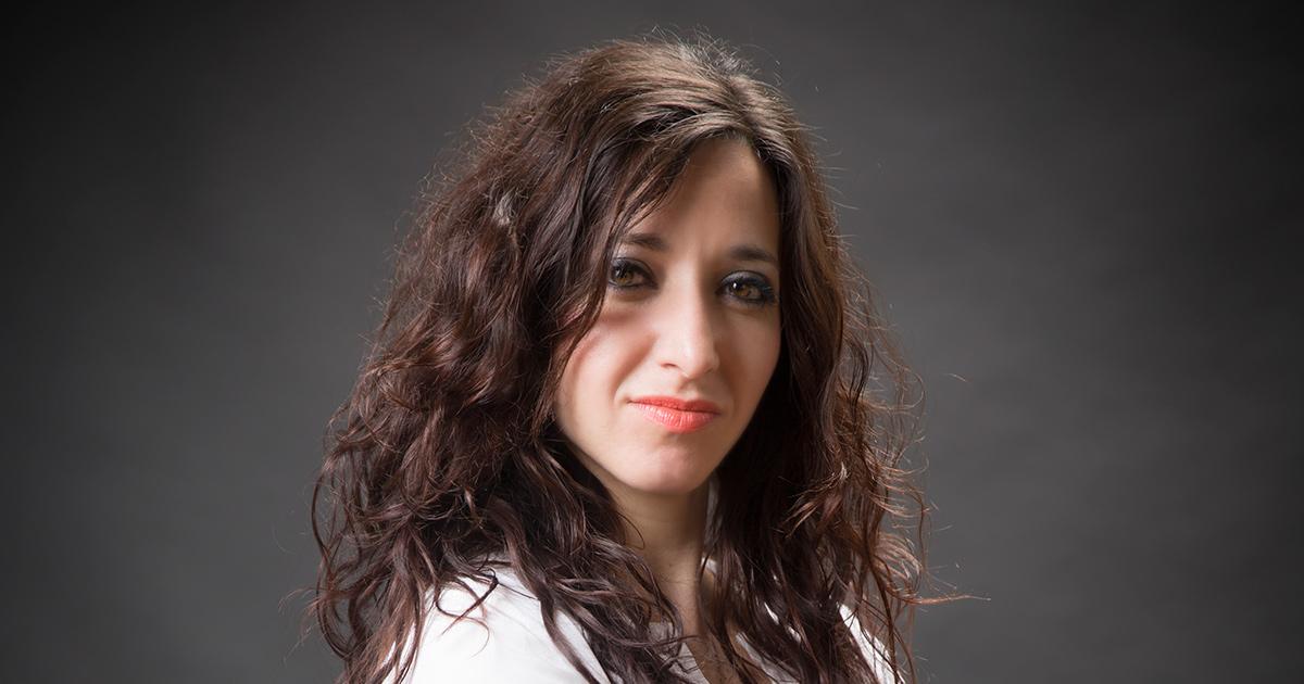 Daria C. Boffito, professeure adjointe au Département de génie chimique et titulaire de la Chaire de recherche du Canada en procédés mécanochimiques intensifiés pour la conversion de la biomasse de Polytechnique Montréal.