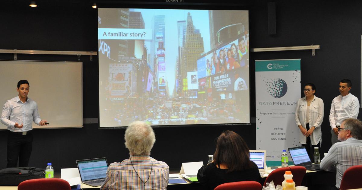 Une des équipes participantes présentant son projet durant l'événement concluant l'étape de sélection et d'évaluation de l'édition initiale du parcours Datapreneur du Centre d'entrepreneuriat Poly-UdeM (Photo: Centre d'entrepreneuriat Poly-UdeM)