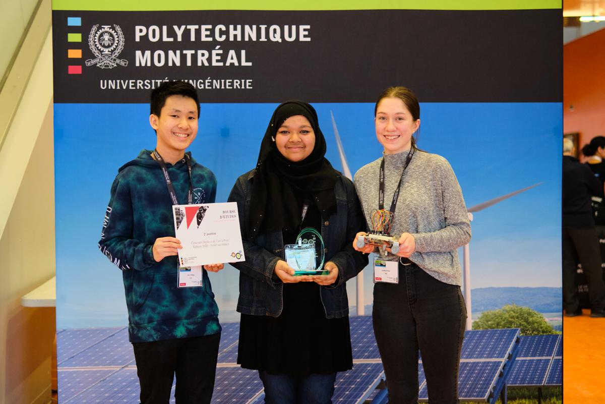 De gauche à droite :  Alex Phung, Fabiha Chowdhury et Esokia Piché. (Photo : Isabelle Racine)