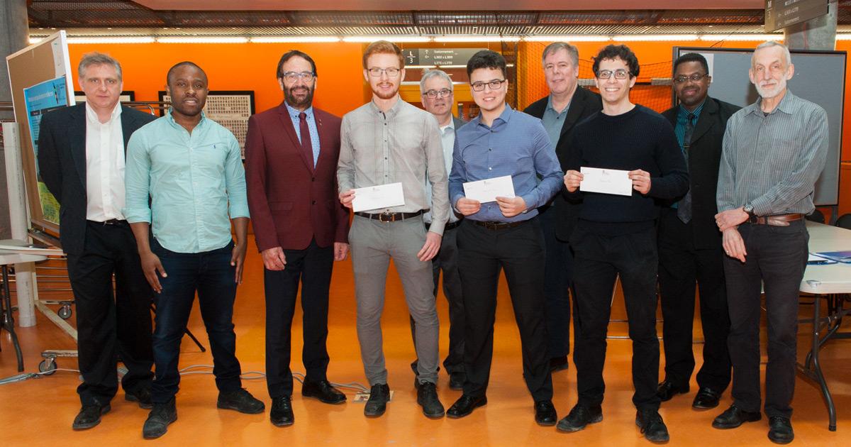 Les gagnants de prix du groupe 1 et le jury de l'édition de l'hiver 2018 du cours ELE3000 à Polytechnique Montréal