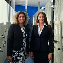 De gauche à droite : Nathalie de Marcellis-Warin, professeure titulaire au Département de mathématiques et de génie industriel de Polytechnique Montréal; Marine Hadengue, diplômée au doctorat en génie industriel de Polytechnique Montréal.