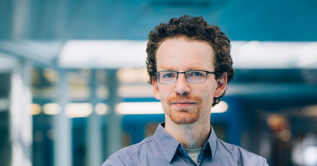 Nicolas Saunier, professeur titulaire au Département des génies civil, géologique et des mines. (Photo : Caroline Perron photographies)