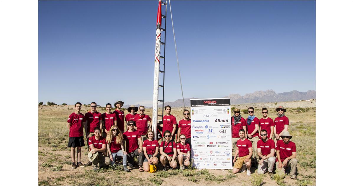 Les membres de la société technique Oronos Polytechnique sur le site de la compétition Spaceport America Cup. (Photo : Oronos Polytechnique)