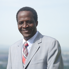 Énergies renouvelables : l'expertise du professeur Oumarou Savadogo au service de l'Union économique et monétaire ouest-africaine (UÉMOA)