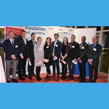 François Bertrand, directeur général par intérim, Christian Bélanger, de l'IREQ, et les neuf lauréats de bourses Hydro-Québec 2017 de Polytechnique Montréal