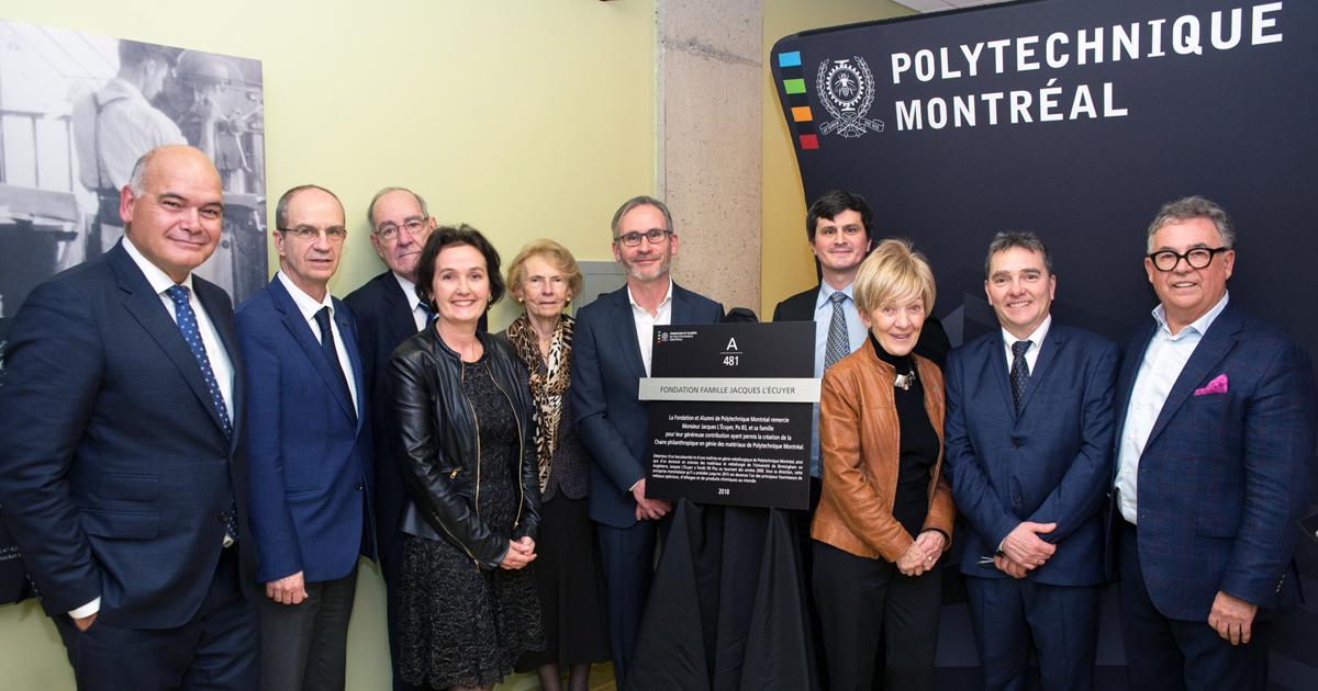 De gauche à droite : Denis Tremblay; Philippe A. Tanguy; Jacques L'Écuyer (père); Isabelle Péan; Aline Payette; Jacques L'Écuyer; Patrice Chartrand; Michèle Thibodeau-DeGuire; Gilles L'Espérance; Jean-Marie Bourassa