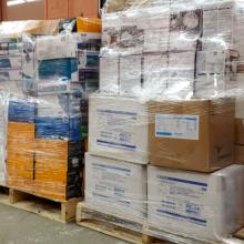 Le matériel de protection individuelle récupéré à Polytechnique Montréal à l'intention du personnel du réseau de la santé. (Photo : Vincent Darras)