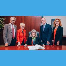 Donna Strickland, corécipiendaire du prix Nobel de physique 2018, en visite à Polytechnique Montréal