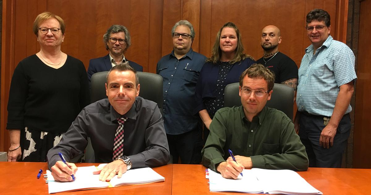 Signature de la nouvelle convention collective entre Polytechnique Montréal et l'APLEP, le 19 juin 2018.