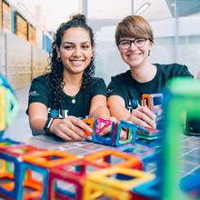 Mission Génios : initier les adolescents à la citoyenneté numérique et au génie par le jeu