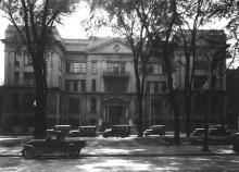 L'École Polytechnique de Montréal au 228 rue Saint-Denis vers 1910