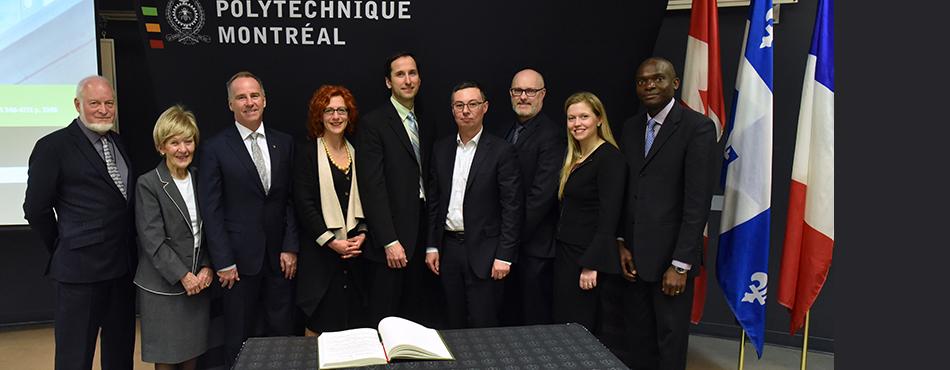 Les dignitaires présents à l'inauguration de deux nouvelles chaires industrielles Safran et de la célébrations de dix années de collaboration entre Polytechnique Montréal et Safran. (Photo: Denis Bernier)